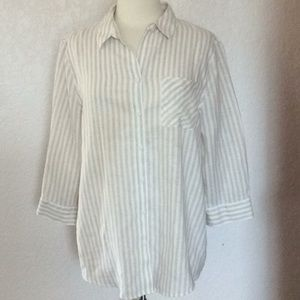 Chico's no iron 100% linen shirt. Chick size 2